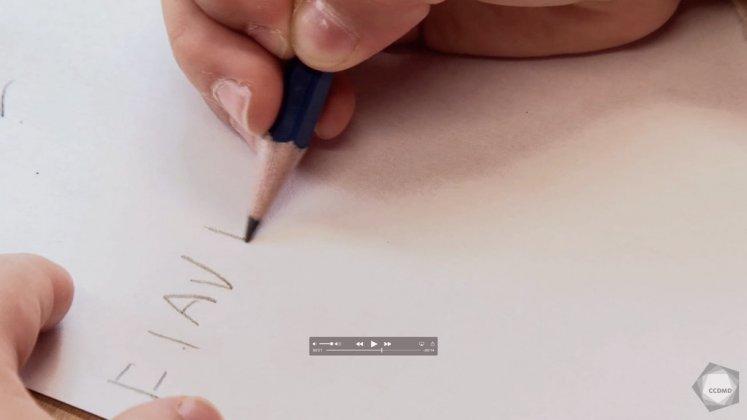Vidéo : Écriture du prénom à 4 ans (1)