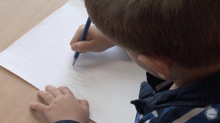 Vidéo : Écriture du prénom à 4 ans (2)
