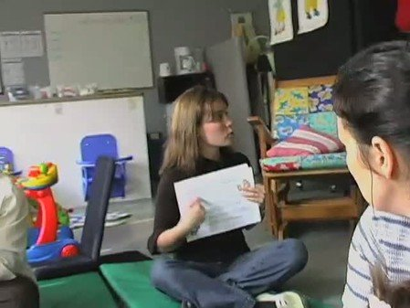 Vidéo : Pédiatrie sociale : atelier de stimulation du langage